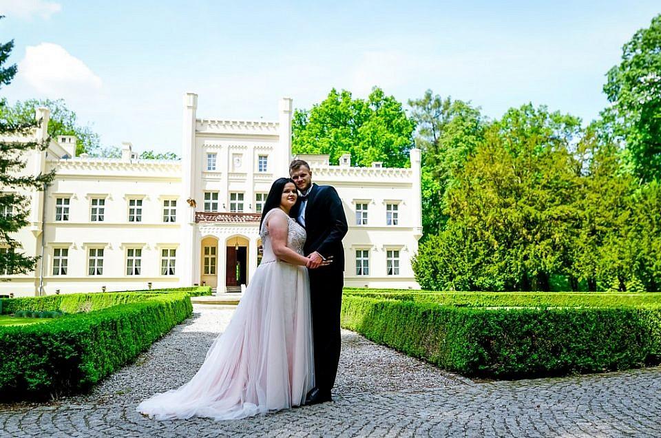 Sesja w pałacu Mierzęcin – Paula i Michał