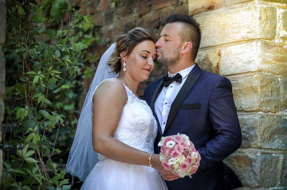 Patrycja i Adrian – sesja ślubna w Łagowie